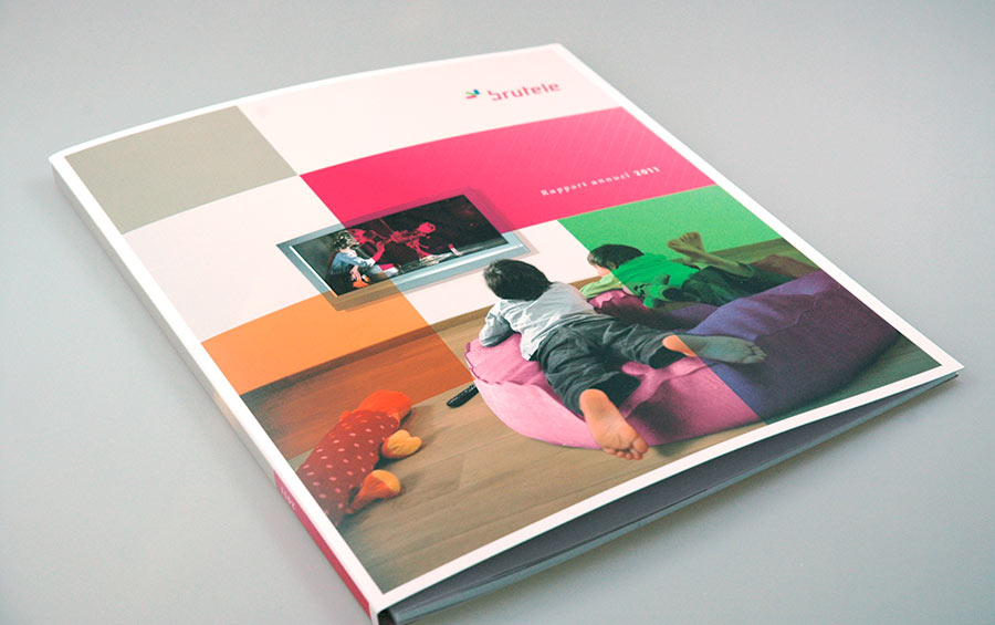studio witvrouwen graphic design identity branding layout annual report Brutele cover